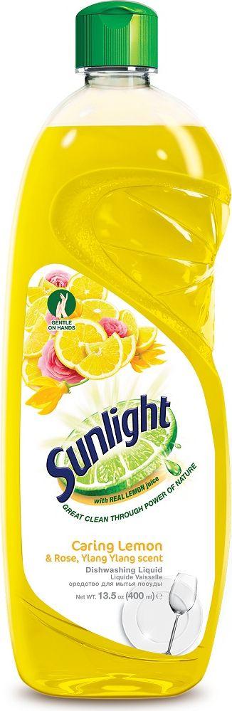 Жидкое средство для мытья посуды Sunlight Lemon, 400 мл67189875Усиленная формула Sunlight имеет 5 преимуществ: Содержит натуральный экстракт лимона. Удаляет жир одним взмахом губки. Эффективно удаляет стойкий жир и загрязнения даже с пластиковых поверхностей, чтобы посуда была чистой, как новая. Легко смывается водой и не оставляет следов. Мягко действует без вреда для кожи рук. Не оставляет следов основных моющих компонентов. Товар сертифицирован.