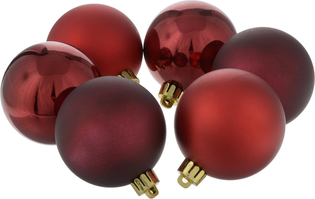 Набор елочных игрушек Шары, цвет: красный, диаметр 6 см, 6 шт. 7105171051Набор игрушек Шары прекрасно подойдет для праздничного декора новогодней ели. Он включает 6 пластиковых шаров. Каждый шар оснащен петелькой, через которую можно пропустить шнурок.Елочная игрушка - символ Нового года. Она несет в себе волшебство и красоту праздника. Создайте в своем доме атмосферу веселья и радости, украшая новогоднюю елку нарядными игрушками, которые будут из года в год накапливать теплоту воспоминаний. Откройте для себя удивительный мир сказок и грез. Почувствуйте волшебные минутыожидания праздника, создайте новогоднее настроение вашим дорогим и близким.