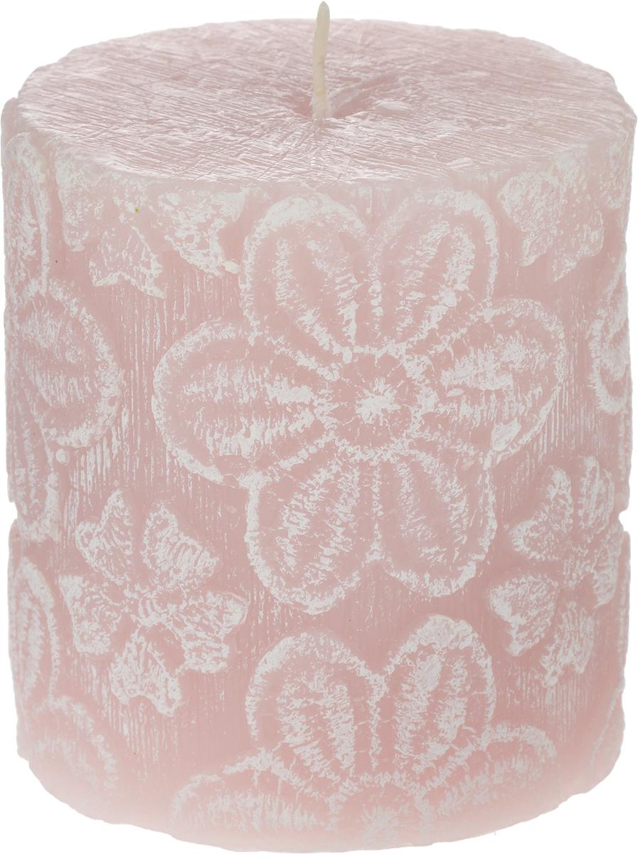 Свеча-цилиндр B&H Цветочное кружево, цвет: розовый, диаметр 7,5 смBH1042_розовыйСвеча Цветочное кружево в форме цилиндра изготовлена из парафина и декорирована изящным рисунком. Такая свеча станет изысканным украшением интерьера. Она принесет в ваш дом волшебство и ощущение праздника. Создайте в своем доме атмосферу веселья и радости, и тогда самый обычный день с легкостью превратится в торжество.