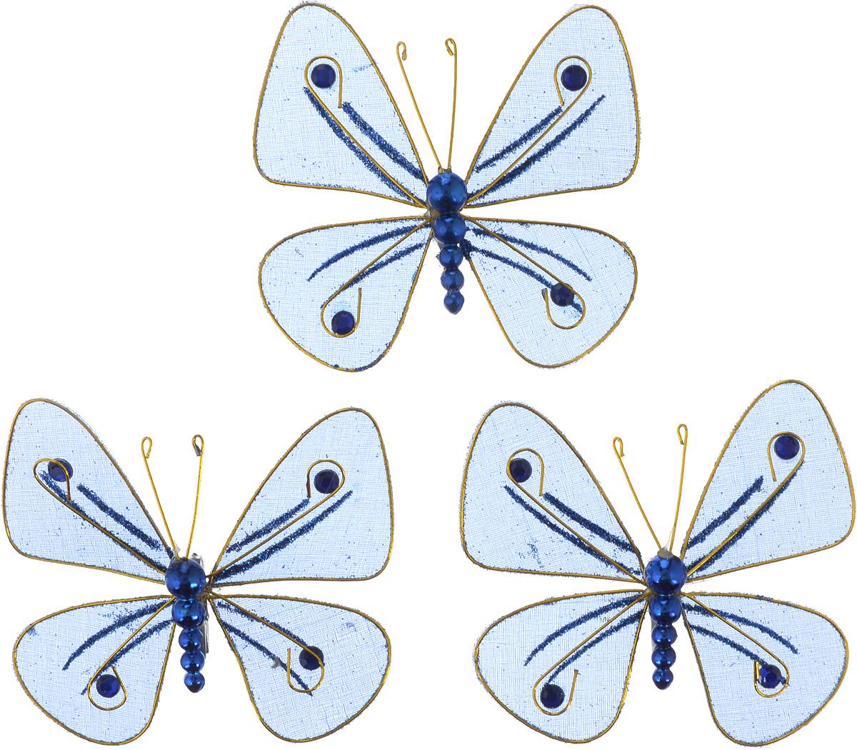 """Набор елочных украшений """"Бабочки"""", выполненный из металлического каркаса, обтянутого синей сеткой, декорирован синими стразами и бусинами. Елочное украшение украсит новогоднюю елку и интерьер дома. Бабочки можно подвесить, благодаря зажимам из металла. Они создадут теплую, уютную атмосферу праздника.  Новогодние украшения всегда несут в себе волшебство и красоту праздника. Создайте в своем доме атмосферу тепла, веселья и радости, украшая его всей семьей."""