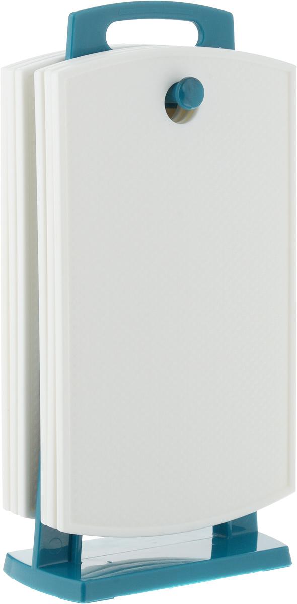 """Набор """"Kesper"""", выполненный из высококачественного пластика, состоит из 6 разделочных досок  и подставки. Прочная структура пластика устойчива к механическим повреждениям. Изделия  легко моются, не впитывают запахи. каждая доска оснащена отверстием для подвешивания.  Набор разделочных досок """"Kesper"""" обязательно понравится любой хозяйке и будет отличным  помощником на кухне.  Можно мыть в посудомоечной машине. Размер доски: 26 х 15 х 0,75 см.  Размер подставки: 14,5 х 7,5 х 29,5 см."""