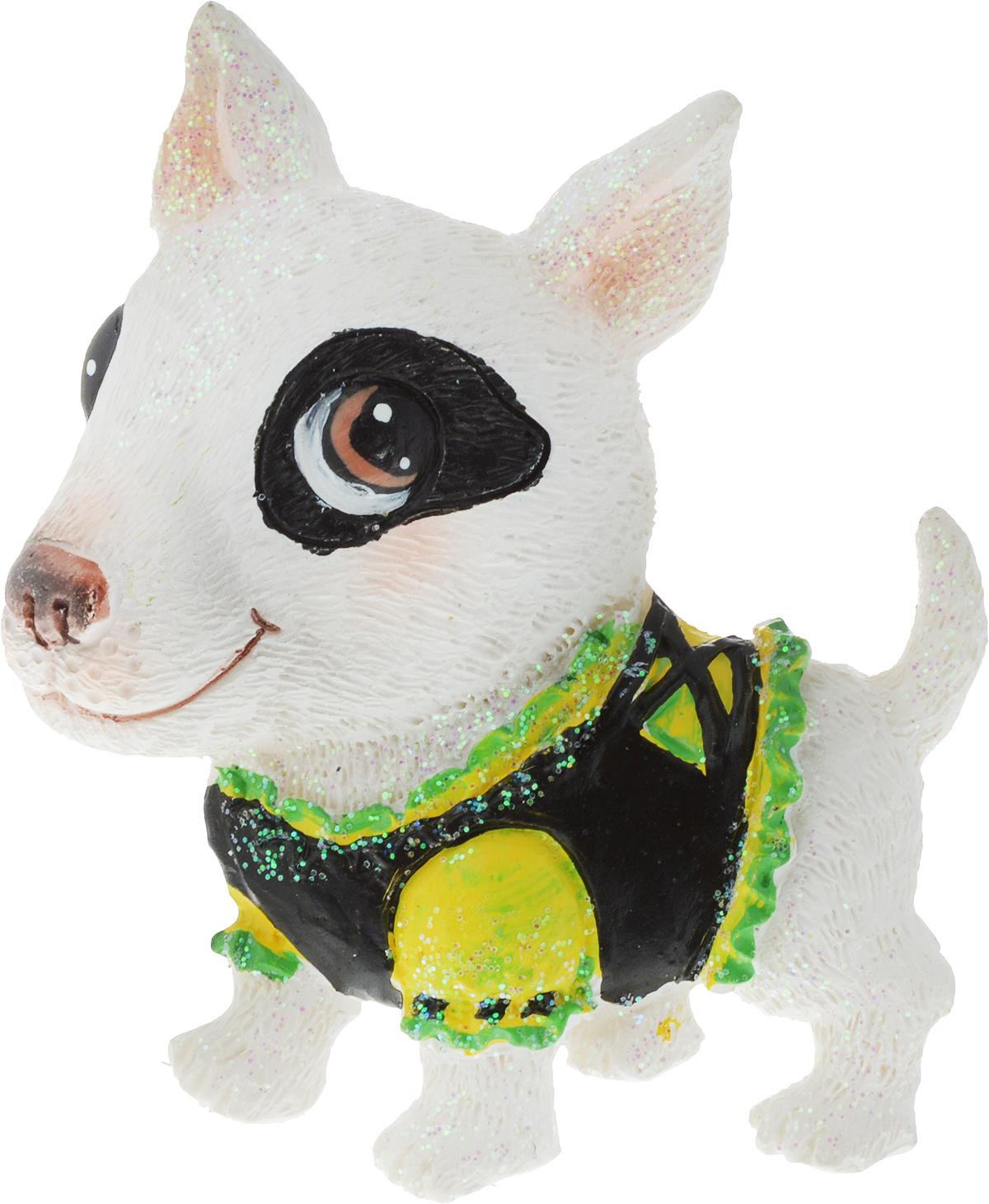 Сувенир новогодний Erich Krause Собака в костюме, на магните, цвет: белый, 6 см сувенир магнитик магнит 6 5 6 5см приколы если я вас напрягаю или раздражаю