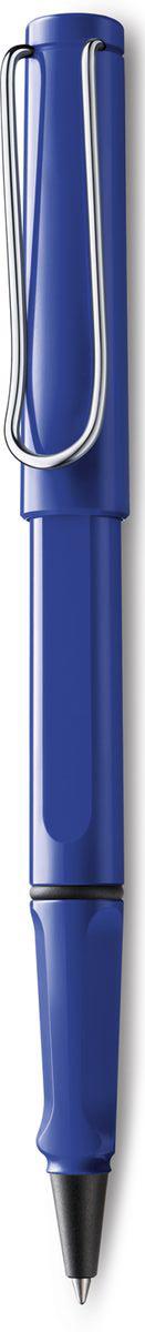 Lamy Safari Ручка-роллер 314 M63 синяя цвет корпуса синий4001097LAMY safari Самая популярная ручка бренда LAMY. Создана в 1980 году в коллаборации с дизайнерами и психологами специально для подростков. Сейчас трудно найти в Европе школу или университет, где не писали бы LAMY safari. В 80-е дизайн этой ручки многим казался немного странным, ни на что непохожим, что, вероятно, и привлекло молодежь, которую уже не устраивал традиционный дизайн обычных ручек. LAMY safari хорошо показала себя в деле: ее эргономика такова, что рука не устает даже от долгого письма. Сейчас этими ручками пишут и рисуют, а также их коллекционируют – помимо широкой гаммы постоянных цветов, каждый год выходит лимитированный выпуск ручек в самом модном цвете. Выполнена из прочного ABS пластика. Эргономичный хват, позволяющий пальцам принять правильное положение при письме. Металлический клип на колпачке напоминает по форме канцелярскую скрепку.Чернильный роллер пишет мягко и почти без нажима - подобно перьевой ручке, но прост в обращении, как шариковая, т.к. при письме чернила подаются на бумагу с помощью шарика на конце стержня. Используется со стержнями LAMY М63. Дизайн: Вольфганг Фабиан История бренда LAMY насчитывает более 80-ти лет, а его философия заключается в слогане Дизайн. Сделано в Германии. Компания получила более 100 самых престижных дизайнерских наград. Все пишущие инструменты LAMY производятся на фабрике в Гейдельберге (Германия).