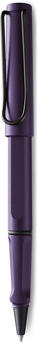 Lamy Safari Ручка-роллер 373 M63 черная цвет корпуса фиолетовый4030447LAMY safari Самая популярная ручка бренда LAMY. Создана в 1980 году в коллаборации с дизайнерами и психологами специально для подростков. Сейчас трудно найти в Европе школу или университет, где не писали бы LAMY safari. В 80-е дизайн этой ручки многим казался немного странным, ни на что непохожим, что, вероятно, и привлекло молодежь, которую уже не устраивал традиционный дизайн обычных ручек. LAMY safari хорошо показала себя в деле: ее эргономика такова, что рука не устает даже от долгого письма. Сейчас этими ручками пишут и рисуют, а также их коллекционируют – помимо широкой гаммы постоянных цветов, каждый год выходит лимитированный выпуск ручек в самом модном цвете. Выполнена из прочного ABS пластика. Эргономичный хват, позволяющий пальцам принять правильное положение при письме. Металлический клип на колпачке напоминает по форме канцелярскую скрепку.Чернильный роллер пишет мягко и почти без нажима - подобно перьевой ручке, но прост в обращении, как шариковая, т.к. при письме чернила подаются на бумагу с помощью шарика на конце стержня. Используется со стержнями LAMY М63. Дизайн: Вольфганг Фабиан История бренда LAMY насчитывает более 80-ти лет, а его философия заключается в слогане Дизайн. Сделано в Германии. Компания получила более 100 самых престижных дизайнерских наград. Все пишущие инструменты LAMY производятся на фабрике в Гейдельберге (Германия).