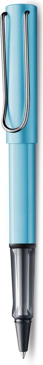 Lamy Al-star Ручка-роллер 384 M63 черная цвет корпуса голубой4031207Алюминиевая версия культовой модели LAMY safari под названием LAMY Al-star. Корпус и колпачок из анодированного алюминия. Эргономичный хват, позволяющий пальцам принять правильное положение при письме, изготовлен из прозрачного пластика.Металлический клип на колпачке напоминает по форме канцелярскую скрепку.Чернильный роллер пишет мягко и почти без нажима - подобно перьевой ручке, но прост в обращении, как шариковая, т.к. при письме чернила подаются на бумагу с помощью шарика на конце стержня. Используется со стержнями LAMY М63. Дизайн: Вольфганг Фабиан История бренда LAMY насчитывает более 80-ти лет, а его философия заключается в слогане Дизайн. Сделано в Германии. Компания получила более 100 самых престижных дизайнерских наград. Все пишущие инструменты LAMY производятся на фабрике в Гейдельберге (Германия).