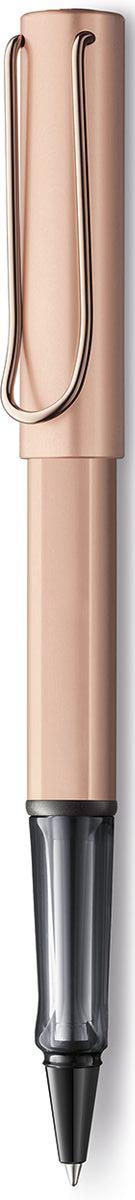 Lamy Lux Ручка-роллер 376 M63 черная цвет корпуса розовое золото4031635Люксовая версия культовой модели LAMY safari под названием LAMY Lx (Лами Люкс). Заглушки на корпусе и колпачке, а также клип покрыты розовым золотом. Корпус и колпачок из анодированного алюминия. Эргономичный хват, позволяющий пальцам принять правильное положение при письме, изготовлен из полупрозрачного пластика.Металлический клип на колпачке напоминает по форме канцелярскую скрепку.Лазерная гравировка. Чернильный роллер пишет мягко и почти без нажима - подобно перьевой ручке, но прост в обращении, как шариковая, т.к. при письме чернила подаются на бумагу с помощью шарика на конце стержня. Используется со стержнями LAMY М63. Комплектация: Подарочный футляр-тубус из анодированного алюминия в цвет ручки. Дизайн: Вольфганг Фабиан История бренда LAMY насчитывает более 80-ти лет, а его философия заключается в слогане Дизайн. Сделано в Германии. Компания получила более 100 самых престижных дизайнерских наград. Все пишущие инструменты LAMY производятся на фабрике в Гейдельберге (Германия).