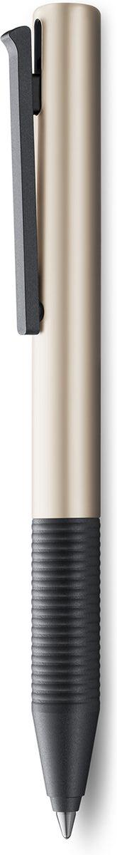 Ручка-роллер Тipo знаменитого бренда Lamy станет прекрасной покупкой.  Ручка выполнена из блестящего пластика. Детали из матового черного пластика.  Ручка идеального размера, что позволяет принять правильное положение пальцев на письме.  Используется стержень LAMY M66. Цвет пасты - черный.  Ручка упакована в подарочную коробку.