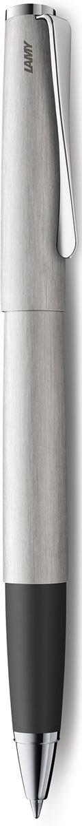 Lamy Studio Ручка-роллер 365 M63 черная цвет корпуса матовая сталь4001209Необычный клип в форме лопасти – визитная карточка модельного ряда LAMY studio. Классические линии корпуса в обрамлении хромированных деталей делают эти пишущие инструменты очень гармоничными. Слегка утолщенный корпус удобно лежит в руке. Металлические корпус и колпачок с брашинг-полировкой. Нескользящий резиновый хват. Чернильный роллер пишет мягко и почти без нажима - подобно перьевой ручке, но прост в обращении, как шариковая, т.к. при письме чернила подаются на бумагу с помощью шарика на конце стержня. Используется со стержнями LAMY М63. Комплектация: подарочный футляр, гарантийная карточка, буклет. Дизайн: Ханнес Веттштайн История бренда LAMY насчитывает более 80-ти лет, а его философия заключается в слогане Дизайн. Сделано в Германии. Компания получила более 100 самых престижных дизайнерских наград. Все пишущие инструменты LAMY производятся на фабрике в Гейдельберге (Германия).