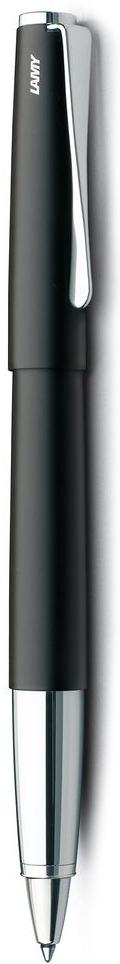 Lamy Studio Ручка-роллер 367 M63 черная цвет корпуса черный4001212Необычный клип в форме лопасти – визитная карточка модельного ряда LAMY studio. Классические линии корпуса в обрамлении хромированных деталей делают эти пишущие инструменты очень гармоничными. Слегка утолщенный корпус удобно лежит в руке. Металлические корпус и колпачок. Покрытие корпуса – матовый черный лак. Чернильный роллер пишет мягко и почти без нажима - подобно перьевой ручке, но прост в обращении, как шариковая, т.к. при письме чернила подаются на бумагу с помощью шарика на конце стержня. Используется со стержнями LAMY М63. Комплектация: подарочный футляр, гарантийная карточка, буклет. Дизайн: Ханнес Веттштайн История бренда LAMY насчитывает более 80-ти лет, а его философия заключается в слогане Дизайн. Сделано в Германии. Компания получила более 100 самых престижных дизайнерских наград. Все пишущие инструменты LAMY производятся на фабрике в Гейдельберге (Германия).