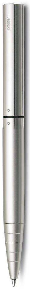 LAMY dialog 2 Чернильный роллер без колпачка, созданный в коллаборации со знаменитым датским архитектором и промышленным дизайнером Кнудом Хольшером. Инновативный поворотный механизм активирует пишущий узел и одновременно прижимает клип к корпусу ручки – чтобы он не мешал при письме. Как только пишущий узел убран, клип снова выдвигается, для того чтобы ручку можно было прикрепить к карману или к обложке ежедневника. Пишет мягко и почти без нажима - подобно перьевой ручке, но прост в обращении, как шариковая, т.к. при письме чернила подаются на бумагу с помощью шарика на конце стержня. Металлический корпус с покрытием из палладия – металла, который не тускнеет. Используется со стержнем LAMY M66.  Комплектация: подарочный футляр, гарантийная карточка, буклет. Дизайн: Кнуд Хольшер История бренда Lamy насчитывает более 80-ти лет, а его философия заключается в слогане Дизайн. Сделано в Германии. Компания получила более 100 самых престижных дизайнерских наград. Все пишущие инструменты Lamy производятся на фабрике в Гейдельберге (Германия).