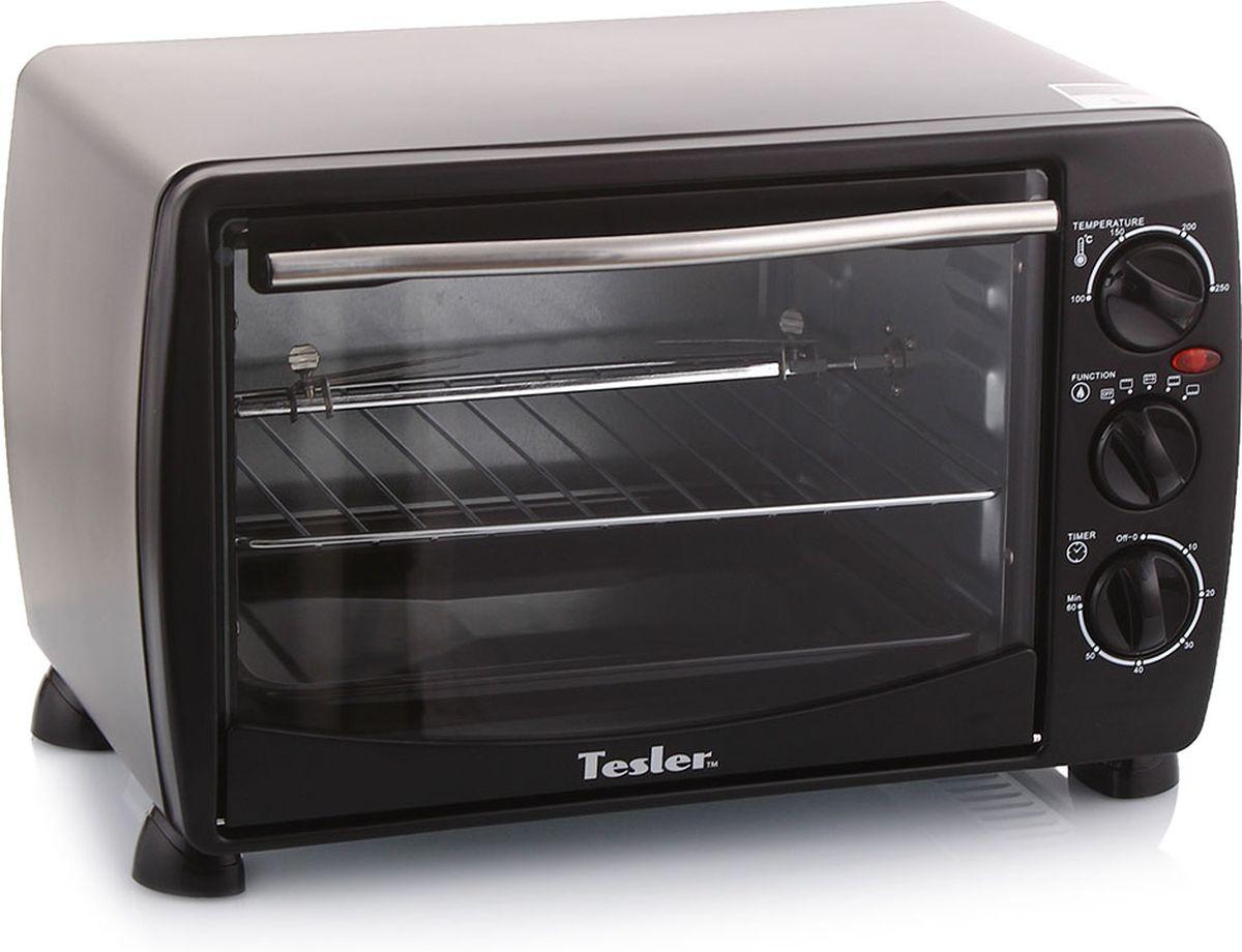 Tesler EOG-1800, Black мини-печьEOG-1800 BLACKМодельный ряд мини печей Tesler подобран так, что бы удовлетворить максимально требования современного покупателя. Наши модели идеально подходят для любой кухни квартиры, загородного дома или дачи. Модель Tesler EOG-1800 BLACK имеет самый компактный размер в линейке, и потребляет гораздо меньше энергии, чем электрический духовой шкаф. Прибор безопасен в использовании, поскольку модель оснащена защитой от перегрева. Функция гриля, вращаемого электрическим двигателем, делает нашу мини печь незаменимой в любом доме. В комплект устройства входят: эмалевый поддон, решетка, вертел для гриля, ручка для удержания вертела, рукоятка для поддона.