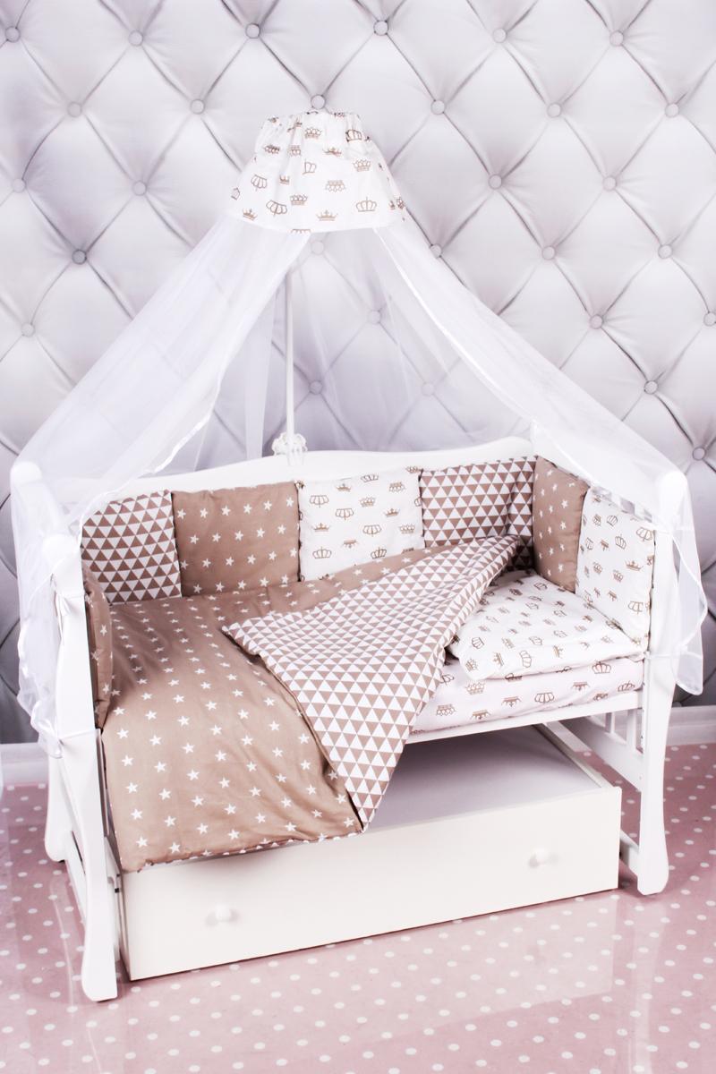Amarobaby Комплект белья для новорожденных Royal Baby цвет коричневый 18 предметовROYAL BABY (коричневый)Комплекты детского постельного белья AmaroBaby выполнены из натурального и гипоаллергенного материала, мягкого и приятного на ощупь. Постельное белье не требует особого ухода, долго сохраняет первоначальный внешний вид. Швы выполнены особым образом, что помогает избежать дискомфорта малыша.Российское производство.100 % хлопок (бязь). Борта представлены в виде 12 подушек Простынь на резинке Подушки-бортики на завязках Отличное качествоКомплектация:1. простынь на резинке 120 х 60 см2. подушка 38 х 58 см3. наволочка 40 х 60 см4. одеяло 107 х 137 см5. пододеяльник на молнии 147 х 112 см6. бампер: подушки 30 х 30см - 12шт 7. балдахин 150 х 300 смткань: бязь (100% хлопок) наполнитель: файберпласт