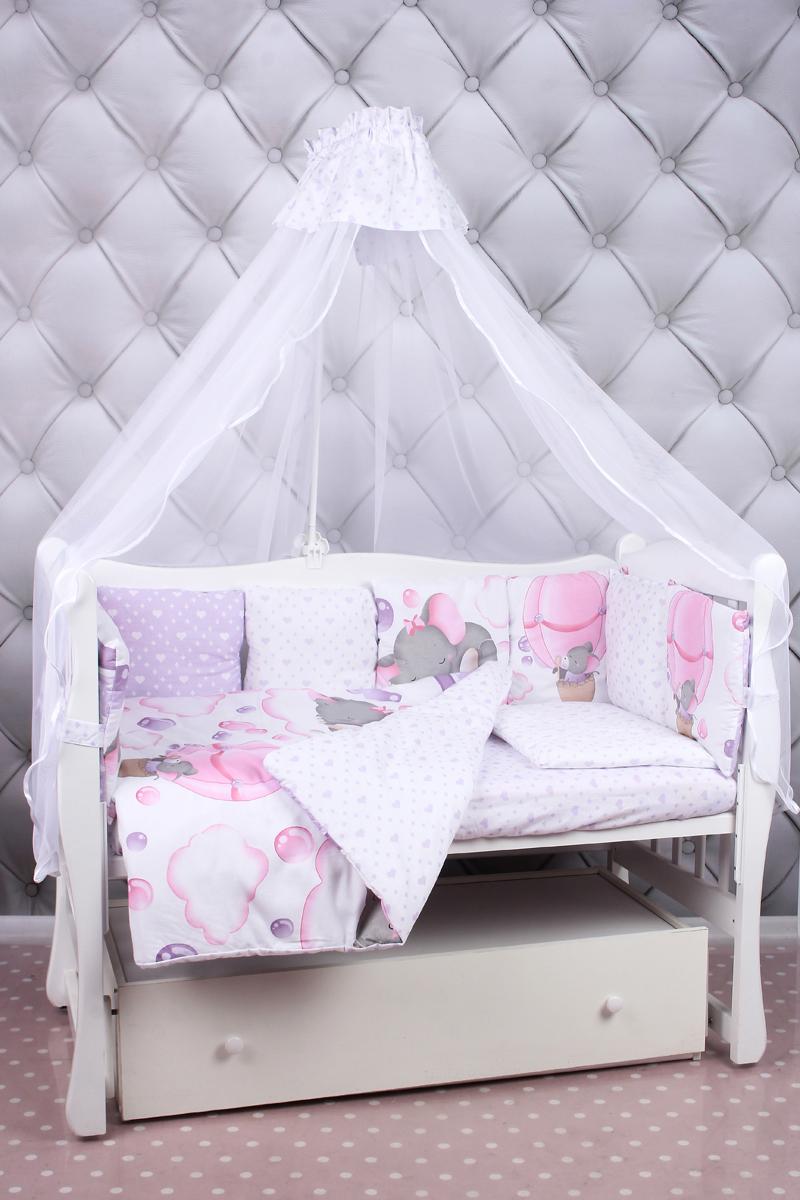 Amarobaby Комплект белья для новорожденных Нежность цвет розовый 18 предметовНЕЖНОСТЬ (розовый)Комплекты детского постельного белья AmaroBaby выполнены из натурального и гипоаллергенного материала, мягкого и приятного на ощупь. Постельное белье не требует особого ухода, долго сохраняет первоначальный внешний вид. Швы выполнены особым образом, что помогает избежать дискомфорта малыша.100 % хлопок (сатин). Борта представлены в виде 12 подушек Простынь на резинке Подушки-бортики на завязках Отличное качествоКомплектация:1. простынь на резинке 120 х 60 см2. подушка 38 х 58 см3. наволочка 40 х 60 см4. одеяло 107 х 137 см5. пододеяльник на молнии 147 х 112 см6. бампер: подушки 30 х 30см - 12шт 7. балдахин 150 х 300 смткань: сатин (100% хлопок) наполнитель: файберпласт