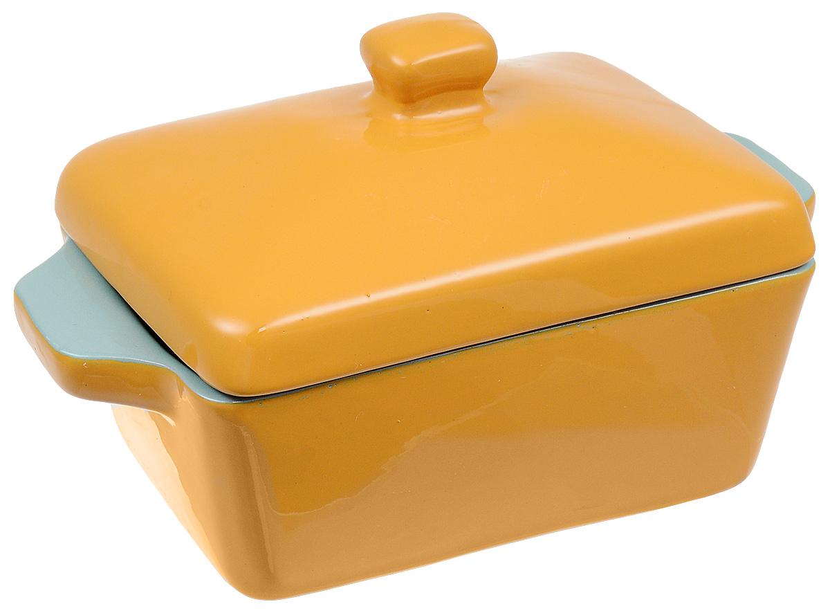 """Сотейник Борисовская керамика """"Кватро"""" - это порционный горшочек прямоугольной формы.  Сочетая в себе функции кастрюли и сковороды, он незаменим при пассировке овощей для супов, поможет приготовить соус. Его удобно использовать как фритюрницу: толстые стенки отлично держат температуру, а широкое дно быстро разогреет и, тем самым, сэкономит масло.  Благодаря двойному обжигу, сотейник """"Кватро"""" 400 мл необычайно прочный и прослужит вам долгие годы.  Объем до кромки: 450 мл. Размер: 17 х 9 х 10 см."""