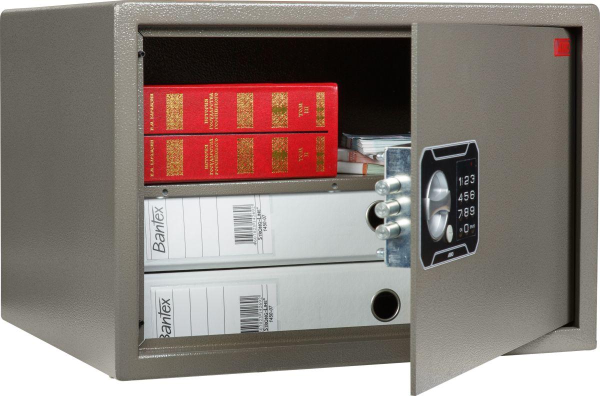 Сейф Aiko TM-30 ELS10399430441Сейф рассчитан на хранение относительно небольших сумм (до 50 тыс.руб.) и документов в офисе или дома. Приобретая этот сейф, вы обеспечите своим ценностям приемлемый уровень защиты по недорогой цене; однако его уровень взломостойкости не даёт гарантии от профессионалов взлома, поэтому предпочтительно устанавливать его в помещениях, где предусмотрена охрана.Толщина лицевой панели – 5 мм. Сейф изготовлен из прочной стали; область замка защищена от внешних воздействий твердосплавной пластиной. Качество сейфа обеспечивается сертификатом соответствия ГОСТ Р 50862-2012.Сейф снабжён электронным замком PLS-3, дополненным мастер-ключом для аварийного открывания. Замок кодируется сочетаниями четырёх-шести цифр. Питается от батареи 9V, тип «Крона», имеются аварийные контакты с внешней стороны двери. Если батарея будет разряжена, на введённый код это не повлияет.Внутри сейфа располагается съёмная полка.Изделие рассчитано на анкерный крепёж к полу и стене, для чего в его стенах и дне есть специальные отверстия. Болты в комплект не входят.