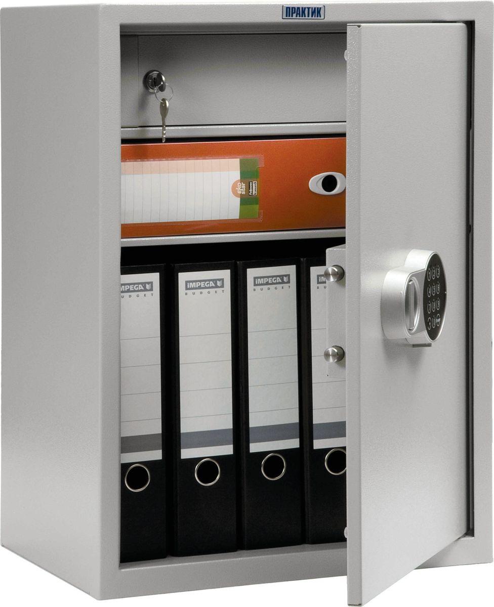 Сейф Практик SL-65T-ELS10799060902Сварной металлический бухгалтерский шкаф для хранения документов.Электронный замок PLS-1 имеет код длиной 4 - 6 знаков и позволяет запрограммировать мастер-код и дополнительный код второго пользователя. Код пользователя может быть изменён обладателем мастер-кода.Съёмная полка, трейзер (кассовое отделение) с ключевым замком Руслок EU, 2 ключа в комплекте.Толщина лицевой панели: 1,2 мм, боковых стенок: 1,2 мм.Вместимость папок Корона шириной 60 мм: 6 шт.Шкаф поставляется в собранном виде.