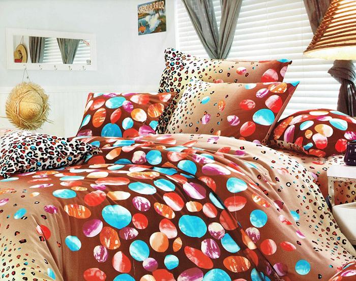 Покрывало МарТекс, 200 х 226 см. 05-0321-305-0321-3Стеганое покрывало из велюровой ткани, красивая стежка атласной ниткой, большой размер, может так же служить и легким одеялом. Высококачественная печать рисунка, европейские дизайны, низ покрывала подбит однотонным велюром. Наполнитель полиэфирное волокно. Состав 100% полиэстер. Уход стирка в деликатном режиме, при температуре 30гр.