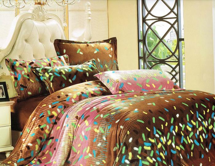 Покрывало МарТекс, 200 х 238 см. 05-0336-305-0336-3Стеганое покрывало из велюровой ткани, красивая стежка атласной ниткой, большой размер, может так же служить и легким одеялом. Высококачественная печать рисунка, европейские дизайны, низ покрывала подбит однотонным велюром. Наполнитель полиэфирное волокно. Состав 100% полиэстер. Уход стирка в деликатном режиме, при температуре 30гр.