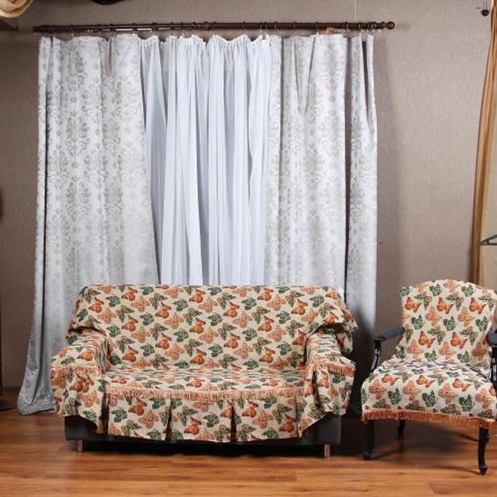 Набор чехлов для дивана и кресел МарТекс Бабочки, 3 предмета. 05-039905-0399Гобеленовые полотна для покрывал изготавливаются из качественного хлопка, с добавлением полиэстера. Ткань очень плотная, прочная, отлично сохраняет форму и в то же время мягкая и приятная на ощупь. Пестрый рисунок достигается путем переплетения нитей разных цветов, а не путем окрашивания готового полотна. Состав гобелена для повышения износостойких качеств производители добавляют до 50% полиэстера. Достоинства: - экологичность. Преобладание натуральных волокон в составе гобеленового полотна позволяет обеспечить покрывалу хорошую воздухопроницаемость, гигроскопичность и достойные гигиенические свойства.- простота ухода. Покрывало не требует частых стирок, не боится солнечного света, не выцветает и не линяет; - не требует подкладки и уплотнителя. Ткань сама по себе достаточно жесткая, хорошо держит форму и помогает сгладить неровности; - износостойкость. Долговечность обеспечивает особая техника плетения нитей, а добавление синтетических волокон помогает увеличить срок службы изделия. Покрывала из гобелена благодаря своей пестроте материал сам по себе не нуждается в частой стирке. Состав: 50%хлопок, 50% полиэстер,Уход: стирка 30градусов в деликатном режиме, глажка в режиме хлопка.