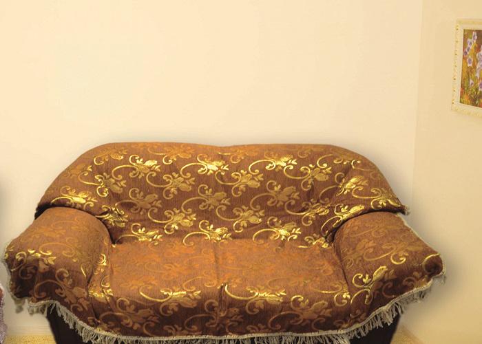 Набор чехлов для дивана и кресел МарТекс, цвет: золотой, 3 предмета. 05-041405-0414Гобеленовые полотна для покрывал изготавливаются из качественного хлопка, с добавлением полиэстера. Ткань очень плотная, прочная, отлично сохраняет форму и в то же время мягкая и приятная на ощупь. Пестрый рисунок достигается путем переплетения нитей разных цветов, а не путем окрашивания готового полотна.Состав гобелена для повышения износостойких качеств производители добавляют до 50% полиэстера. Достоинства:- экологичность. Преобладание натуральных волокон в составе гобеленового полотна позволяет обеспечить покрывалу хорошую воздухопроницаемость, гигроскопичность и достойные гигиенические свойства. - простота ухода. Покрывало не требует частых стирок, не боится солнечного света, не выцветает и не линяет;- не требует подкладки и уплотнителя. Ткань сама по себе достаточно жесткая, хорошо держит форму и помогает сгладить неровности;- износостойкость. Долговечность обеспечивает особая техника плетения нитей, а добавление синтетических волокон помогает увеличить срок службы изделия.Покрывала из гобелена благодаря своей пестроте материал сам по себе не нуждается в частой стирке.Состав: 50%хлопок, 50% полиэстер, Уход: стирка 30градусов в деликатном режиме, глажка в режиме хлопка.