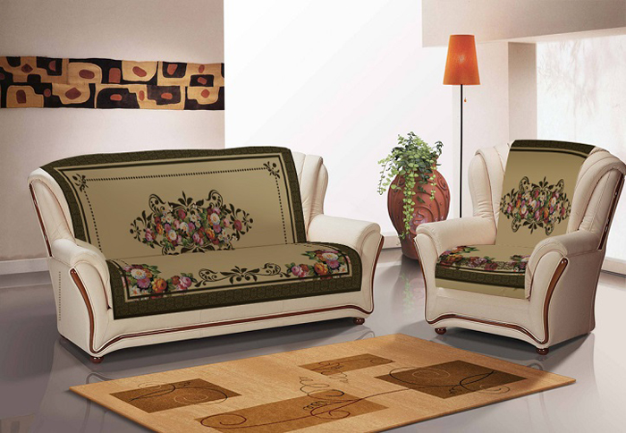 Покрывало на диван и 2 кресла из плотной ткани в мелкий рубчик - микровельвет.  Дизайн выполнен методом сублимационной печати, прочной и безопасной для здоровья. Краски не линяют и не стираются.  Покрывало и накидки на кресла декорированы золотистыми кисточками.  Состав 80%хлопок, 20% полиэстер.  Уход: стирка при деликатном режиме и температуре не выше 40гр, глажка в режиме хлопка.