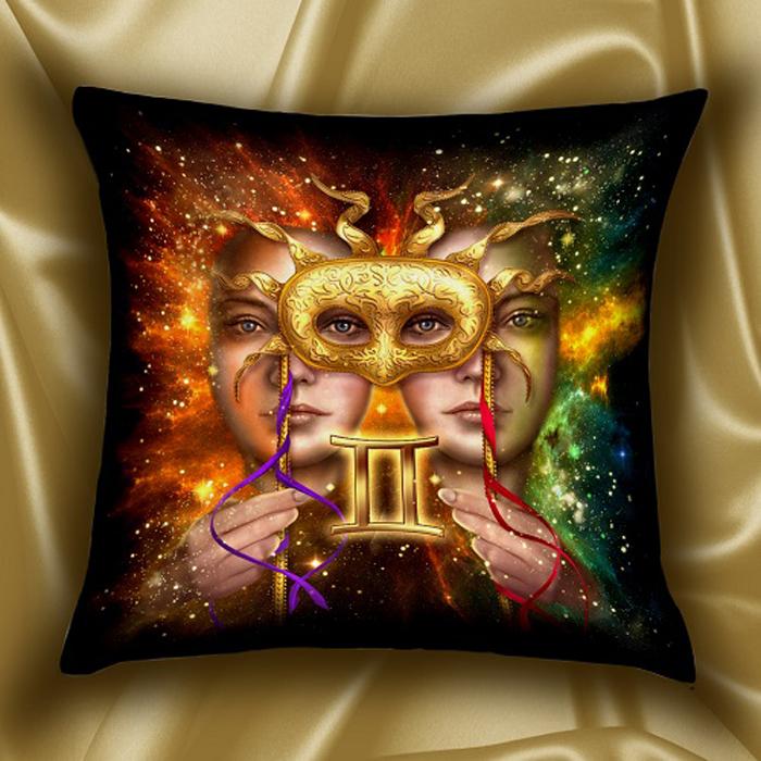 Подушка декоративная МарТекс Звездный круг. Близнецы, цвет: красный, 45 х 45 см16-1579-1Декоративная подушка, рисунок выполнен методом фотопечати. Наполнение: полое силиконизированное волокно Hollow Fiber.