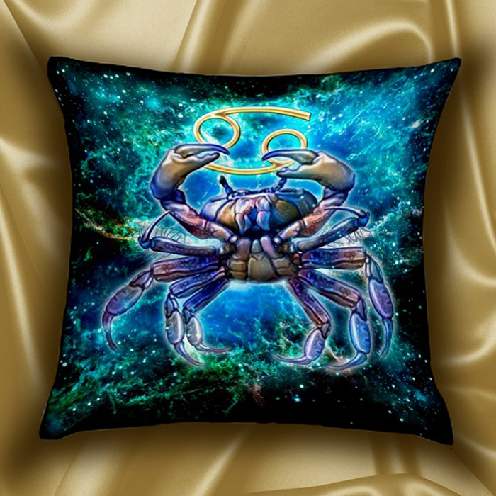 Подушка декоративная МарТекс Звездный круг. Рак, цвет: голубой, 45 х 45 см16-1580-1Декоративная подушка, рисунок выполнен методом фотопечати. Наполнение: полое силиконизированное волокно Hollow Fiber.