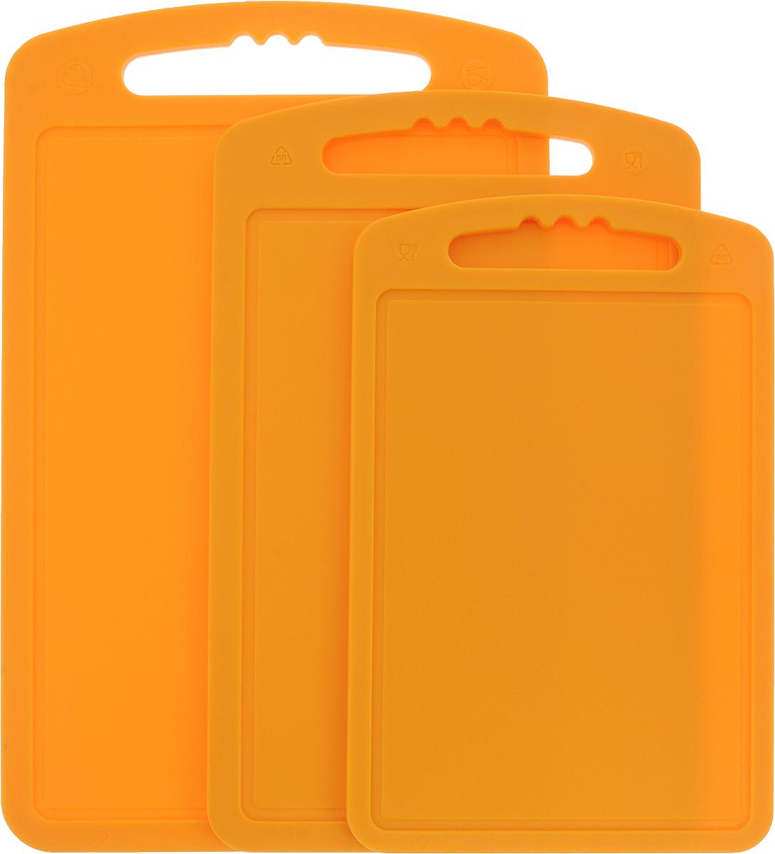 Доска разделочная Мартика, набор, 3 шт. С55КС55КИзделие выполнено с соблюдением необходимых требований к качеству и безопасности, включая санитарные, которые предъявляются к пластиковой продукции. Удобно в обращении. Имеет яркие цвета, привлекательный современный дизайн и высокий запас прочности. Разделочные пластиковые доски не требуют специального ухода, их удобно использовать, а материалы досок, в соответствии с существующими санитарными нормами, разрешены для контакта с пищевыми продуктами.