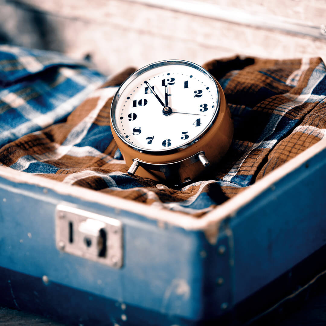 Картина на стекле Postermarket Время идет, 30 x 30 см картина на стекле postermarket красная панда 30 x 30 см