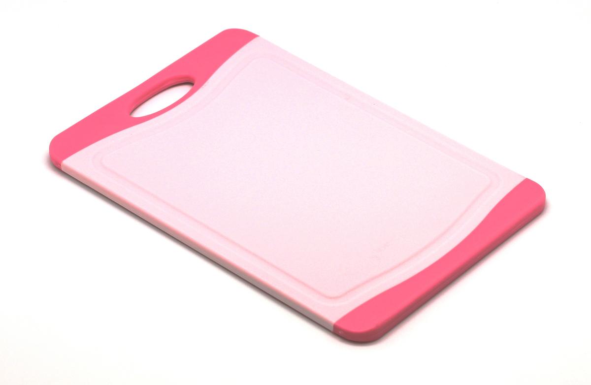 Доска разделочная Atlantis Microban 29х20см, цвет: розовый F-S-PF-S-PКухонная доска от Atlantis прямоугольной формы с контрастными темно-розовыми вставками, выполненная из пластика, обладает целым рядом преимуществ, а именно: удобная ручка; не скользит по поверхности стола; можно использовать обе стороны доски; непористая поверхность; можно мыть в посудомоечной машине; не впитывает запах продуктов; ножи не затупляются при использовании. Доска обработана специальным покрытием Microban. Покрытие Microban - самое надежное в мире средство для защиты от бактерий, грибков, плесени и запахов. Действует постоянно, даже после мытья, обеспечивая большую защиту доски. Антибактериальная защитаработает на протяжении всего срока службы разделочной доски. Характеристики: Артикул: F-M-P. Страна:Китай. Размер: 29 см х 20 см х 1 см. Материал: пластик.