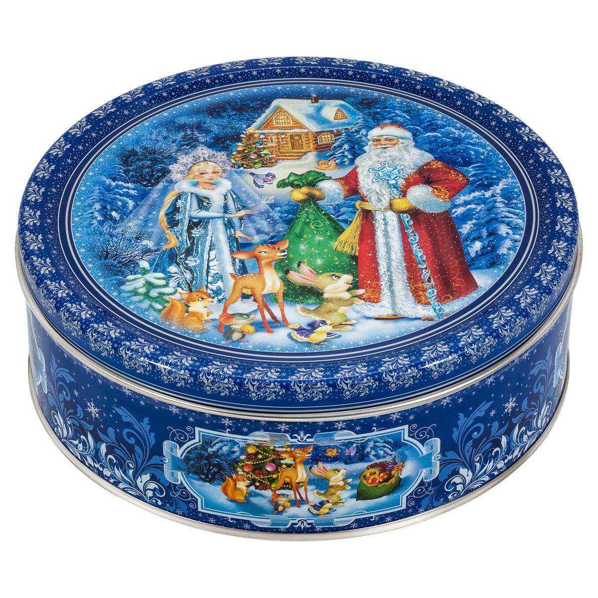 Сладкая Сказка Печенье Дед Мороз и Снегурочка, 400 гMC-4-19_синийЯркая подарочная банка с печеньем Дед Мороз и Снегурочка станет прекрасным подарком детям, близким, друзьям и коллегам на Новый год или Рождество.В каждой банке – 400 грамм сдобного печенья. Оно не только вкусное, но и полезное.Натуральные ингредиенты, сливочное масло, кукурузный крахмал и пшеничная мука, входящие в состав продукта, содержат целый ряд витаминов, минералов и аминокислот.На крышке изображены главные герои новогодних праздников — Дед Мороз и Снегурочка. Такая банка украсит любой праздничный стол!
