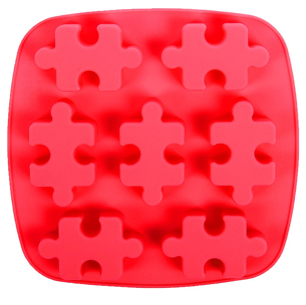 Форма для выпечки Доляна Пазлы, силиконовая, цвет: красный, 17,6 х 18 х 2 см, 7 ячеек1857437_красныйФорма Доляна Пазлы, изготовленная из силикона, имеет 7 ячеек в виде мозаики. Силиконовые формы для выпечки имеют множество преимуществ по сравнению с традиционными металлическими формами и противнями. Нет необходимости смазывать форму маслом. Форма быстро нагревается, равномерно пропекает, не допускает подгорания выпечки с краев или снизу.Вынимать продукты из формы очень легко. Слегка выверните края формы или оттяните в сторону, и ваша выпечка легко выскользнет из формы. Материал устойчив к фруктовым кислотам, не ржавеет, на нем не образуются пятна. Форма может быть использована в духовках и микроволновых печах (выдерживает температуру от -40°С до +250°С), также ее можно помещать в морозильную камеру и холодильник. Можно мыть в посудомоечной машине.Размер формы: 17 х 18 х 2 см.Размер ячеек: 6,5 х 4 х 2 см.