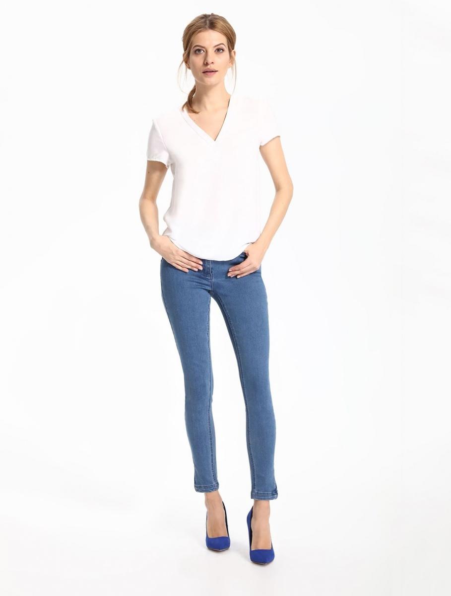 Блузка женская Top Secret, цвет: белый. SBK2217BI. Размер 38 (46)SBK2217BIБлузка женская Top Secret выполнена из полиэстера. Модель с V-образным вырезом горловины и короткими рукавами.