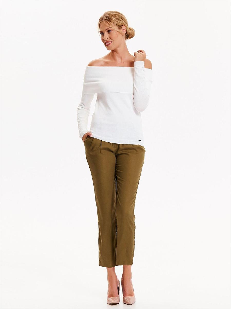 Брюки женские Top Secret, цвет: хаки. SSP2627ZI. Размер 36 (44)SSP2627ZIМодные брюки Top Secret актуальной укороченной длины выполнены из высококачественного материала. Модель с посадкой на талии дополнена поясом и двумя боковыми карманами. Сзади - два прорезных кармашка. Такие брюки подчеркнут все достоинства вашей фигуры.