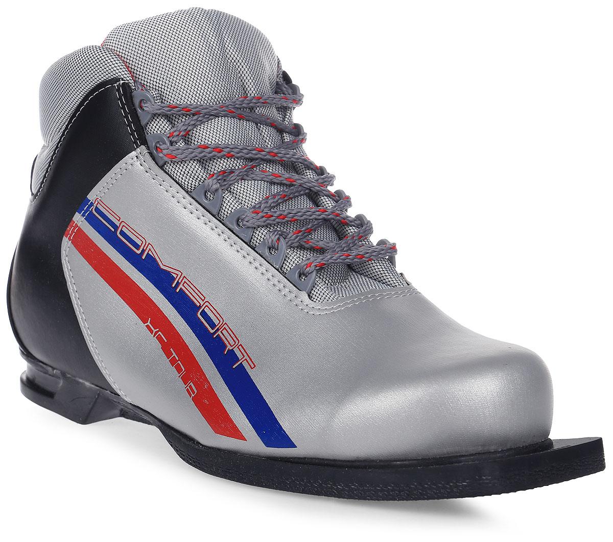 Ботинки лыжные Marax, цвет: серебристый, синий, черный. М350. Размер 40М350_серебряный, синий, красный_40Лыжные ботинки Marax предназначены для активного отдыха. Модельизготовлена из морозостойкой искусственной кожи и текстиля. Подкладка выполнена из искусственного меха и флиса, благодаря чему ваши ноги всегда будут в тепле. Шерстяная стелька комфортна при беге. Вставка на заднике обеспечивает дополнительную жесткость, позволяя дольше сохранять первоначальную форму ботинка и предотвращать натирание стопы. Ботинки снабжены шнуровкой с пластиковыми петлями и язычком-клапаном, который защищает от попадания снега и влаги. Подошва системы 75 мм из двухкомпонентной резины является надежной и весьма простой системой крепежа и позволяет безбоязненно использовать ботинокдо -25°С. В таких лыжных ботинках вам будет комфортно и уютно.