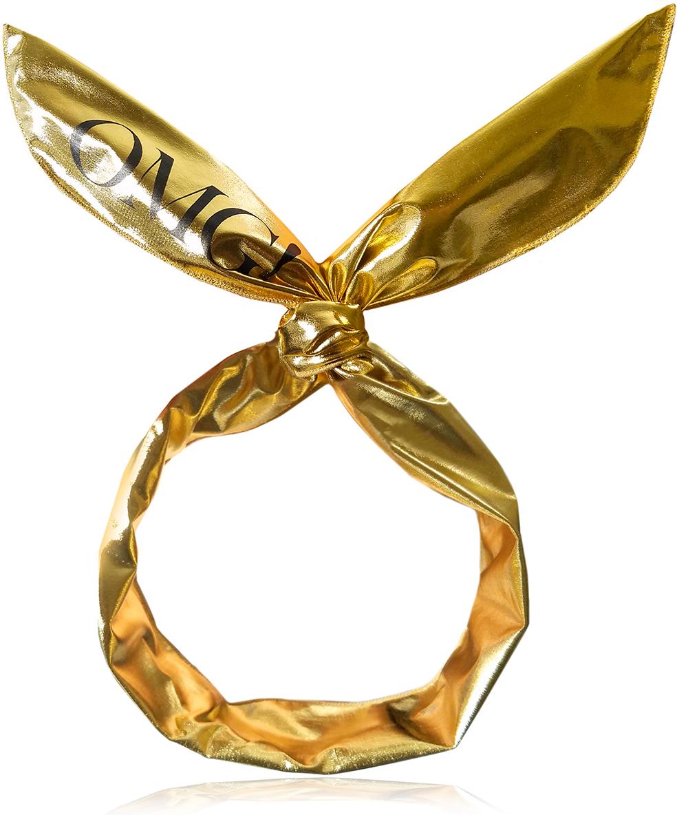 Double Dare OMG! Platinum HairBand-Gold Повязка косметическая для волос золотой металлик012057Начни игру с этой оригинальной и стильной повязкой для волос Double Dare OMG! Platinum HairBand, которая превосходно защищает волосы от очищающих и увлажняющих средств, кремов и масок во время ухода за кожей лица.Стильная, модная и комфортная. Повязка изготовлена из приятного материала, который защищает волосы и кожу головы от повреждений и ломкости, заботясь о вашем комфорте.Подходит для использования в ванной, для сна и других ситуаций. Наслаждайтесь расслабляющей теплой ванной с пеной, не боясь намочить волосы, или наденьте повязку перед сном, чтобы волосы не падали на лицо. Также прекрасно подойдет для сеанса массажа или спа.Совет по использованию:Надевайте повязку каждый раз, когда наносите макияж или средства по уходу за лицом, когда занимаетесь в спортзале для защиты волос от пота, когда расслабляетесь в спа, ванной или делаете массаж. Кроме того такая повязка может стать оригинальным аксессуаром на вечеринке и яркой деталью забавных селфи!
