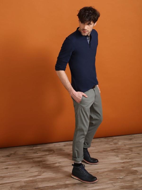Брюки мужские Top Secret, цвет: зеленый. SSP2407ZI32[E]. Размер 32 (48)SSP2407ZIСтильные мужские брюки Top Secret - брюки высочайшего качества на каждый день, которые прекрасно сидят. Модель изготовлена из высококачественного хлопка и эластана. Застегиваются брюки на пуговицу в поясе и ширинку на молнии, имеются шлевки для ремня. Эти модные и в тоже время комфортные брюки послужат отличным дополнением к вашему гардеробу. В них вы всегда будете чувствовать себя уютно и комфортно.