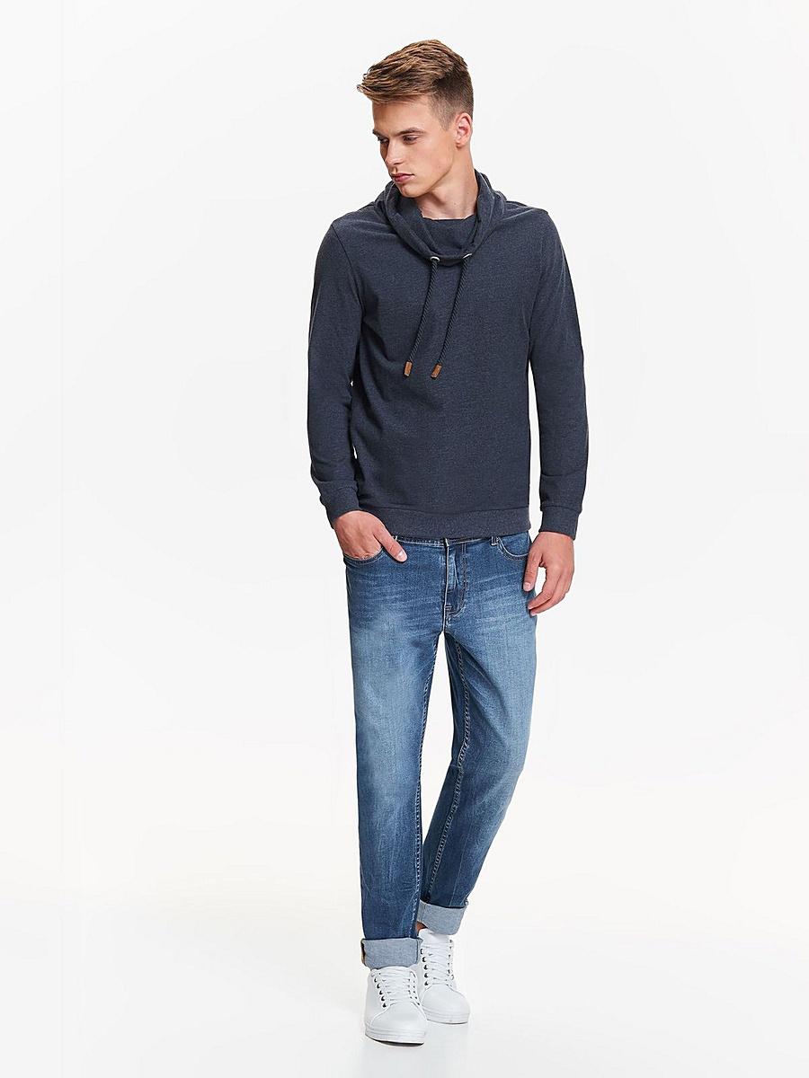 Джинсы мужские Top Secret, цвет: синий. SSP2635NI. Размер 33-32 (48/50-32)SSP2635NIСтильные мужские джинсы Top Secret - джинсы великолепного качества на каждый день, которые прекрасно сидят. Модель прямого кроя и средней посадки изготовлена из высококачественного хлопка с небольшим добавлением эластана. Застегиваются джинсы на пуговицу в поясе и ширинку на застежке-молнии, имеются шлевки для ремня. Спереди модель оформлены двумя втачными карманами и одним небольшим секретным кармашком, а сзади - двумя накладными карманами. Джинсы оформлены легким эффектом потертости. Эти модные и в тоже время комфортные джинсы послужат отличным дополнением к вашему гардеробу. В них вы всегда будете чувствовать себя уверенно и комфортно.