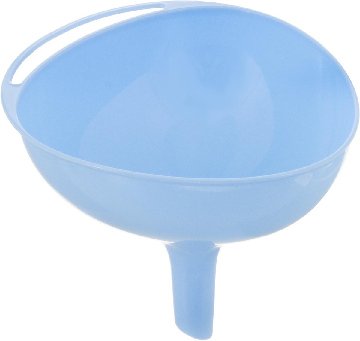 Воронка Мартика Ультимо, цвет: голубой. С248С248Воронка Мартика Ультимо, изготовленная из пластика, удобна в обращении, имеет небольшой вес и снабжена специальным отверстием для подвешивания. Привлекательный современный дизайн и высокий запас прочности - отличительные особенности данной модели. Изделие выполнено с соблюдением необходимых требований к качеству и безопасности, включая санитарные, предъявляемые к пластиковой продукции. Размер воронки: 13 х 12 см. Диаметр отверстия для слива: 1,5 см.