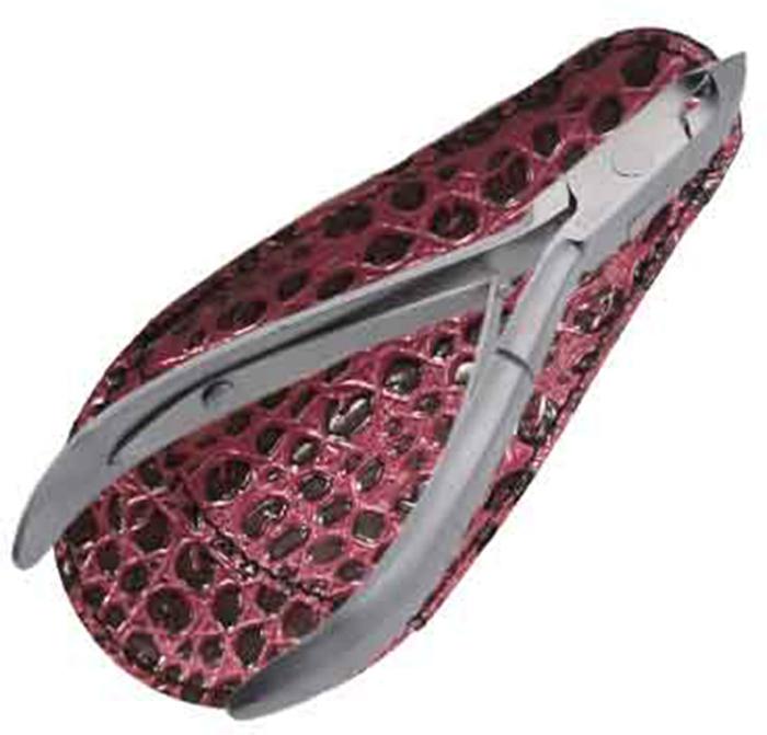 Zinger Кусачки маникюрные (в чехле) zo-B-188-FD-SH-LJ-K1NSF22962Кусачки маникюрные используются для обрезания ногтей с результатом, свойственным выполнению маникюра или педикюра в салонах красоты. Кусачки изготовлены из стали высокого качества и профессионально заточены. Лезвия плотно сходятся, работают мягко и свободно. Кусачки легко открываются и закрываются, позволяя качественно обрезать ногти, не травмируя кутикулу и кожу вокруг ногтя. Кусачки имеют удобную форму, которая идеально ложится в ладонь. Цвет: матовое серебро. УВАЖАЕМЫЕ КЛИЕНТЫ! Обращаем Ваше внимание на возможные изменения в дизайне чехла, связанные с ассортиментом продукции. Поставка осуществляется в зависимости от наличия на складе. Цветовая гамма и дизайн кусачек остаются неизменными.Как ухаживать за ногтями: советы эксперта. Статья OZON Гид