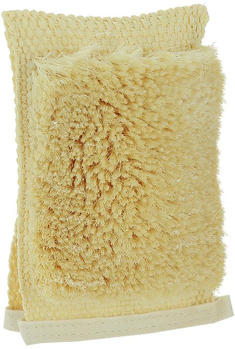 Мочалка-рукавица массажная Riffi, с щетиной, односторонняя. 120120Мочалка-рукавица Riffi с щетиной обладает активным антицеллюлитным эффектом, отлично действует как пилинговое средство, тонизируя, массируя и эффективно очищая вашу кожу. Жесткая основа с одной стороны имеет поверхность с сизалевой щетиной, увеличивающей глубину антицеллюлитного и тонизирующего действия массажа на кожу, подкожный слой и мышцы. Применяется для сухого и влажного массажа. Две боковые прорези для большого пальца позволяют использовать рукавицу как на левой, так и на правой руке. Благодаря отшелушивающему эффекту мочалки-рукавицы, кожа освобождается от отмерших клеток, становится гладкой, упругой и свежей. Интенсивный и пощипывающе свежий массаж тела с применением Riffi стимулирует кровообращение, активирует кровоснабжение, способствует обмену веществ, что в свою очередь позволяет себя чувствовать бодрым и отдохнувшим после принятия душа или ванны. Riffi регенерирует кожу, делает ее приятно нежной, мягкой и лучше готовой к принятию косметических средств. Приносит приятное расслабление всему организму. Борется со спазмами и болями в мышцах, предупреждает образование целлюлита и обеспечивает омолаживающий эффект. Натуральные материалы предохраняют от раздражений даже самую нежную и чувствительную кожу во время массажа. Характеристики:Материал основы: 100% полипропилен. Материал щетины: 100% сизаль. Размер основы: 19,5 см x 12 см. Размер щетинистой поверхности: 15 см x 11 см. Высота щетины: 2 см. Размер упаковки: 24,5 см x 12,5 см x 3 см. Производитель: Германия. Артикул:120. Товар сертифицирован.