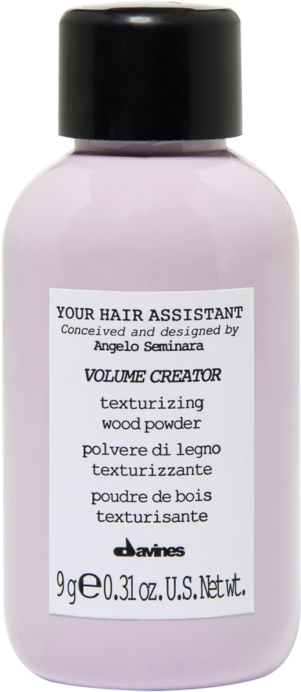 Davines Your Hair Assistant Volume Creator Пудра для объема волос, 9 грWF-81582212На создание этого продукта меня вдохновило воспоминание из детства. У одного моего одноклассника отец работал плотником. После занятий мальчик всегда помогал отцу, и деревянная пыль оставалась на его волосах, делая прическу матовой и объемной. Мне захотелось воссоздать этот эффект, но, конечно, в более легком и элегантном виде. Анджело Семинара.Текстурирующая пудра с матирующим эффектом. Создает естественный объем, придает волосам плотность и текстуру. Невидима на волосах. Обладает влагозащитными свойствами. Формула на 100% состоит из мелкоизмельченных частичек бамбуковой и кокосовой пудры (размер частички пудры - 10 микрон, в то время, как толщина человеческого волоса - 70 микрон). Без парабенов, без отдушек.Объем: 9 гр
