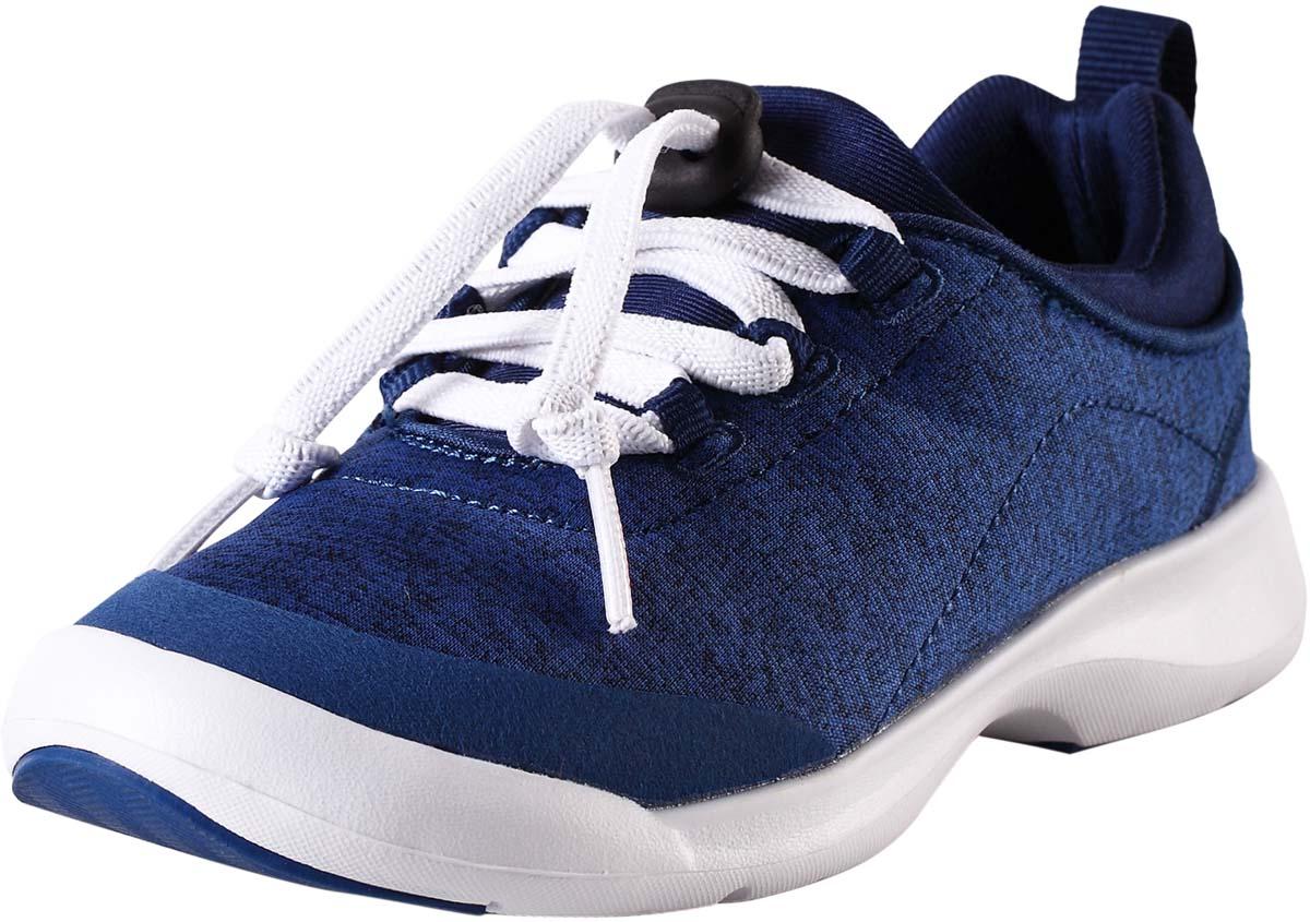 Кроссовки детские Reima Shore, цвет: синий. 5693366640. Размер 385693366640Стильные детские кроссовки Shore от Reima прекрасно подойдут для активногоотдыха на открытом воздухе. Модель выполнена из текстиля.Резиновый каркас носка защищает детскую стопу от ударов. Удобная шнуровка со стоппером надежно фиксирует модель наноге. Задник оснащен ярлычком, который выполняет функцию ложки дляобуви. Мягкая стелька из EVA-материала с текстильной поверхностьюгарантирует максимальный комфорт при ходьбе. Подошва с рифлением обеспечивает отличное сцепление с поверхностью.Удобные кроссовки придутсяпо душе вам и вашему ребенку!
