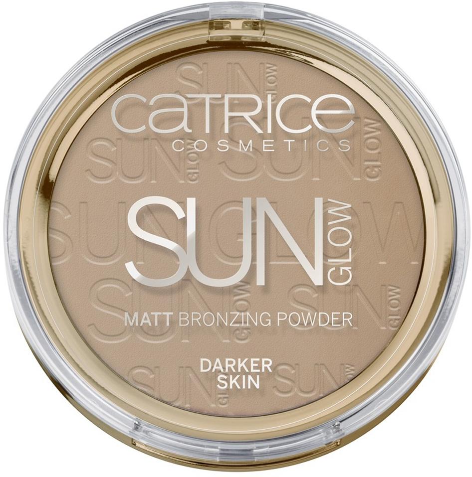 CATRICE Пудра компактная с эффектом загара матирующая Sun Glow Matt Bronzing Powder 020 темно-бежевый, 9,5гр47131Придает Вашему лицу и телу великолепный оттенок загара, Даже небольшого количества достаточно, что бы создать свежий, сияющий вид