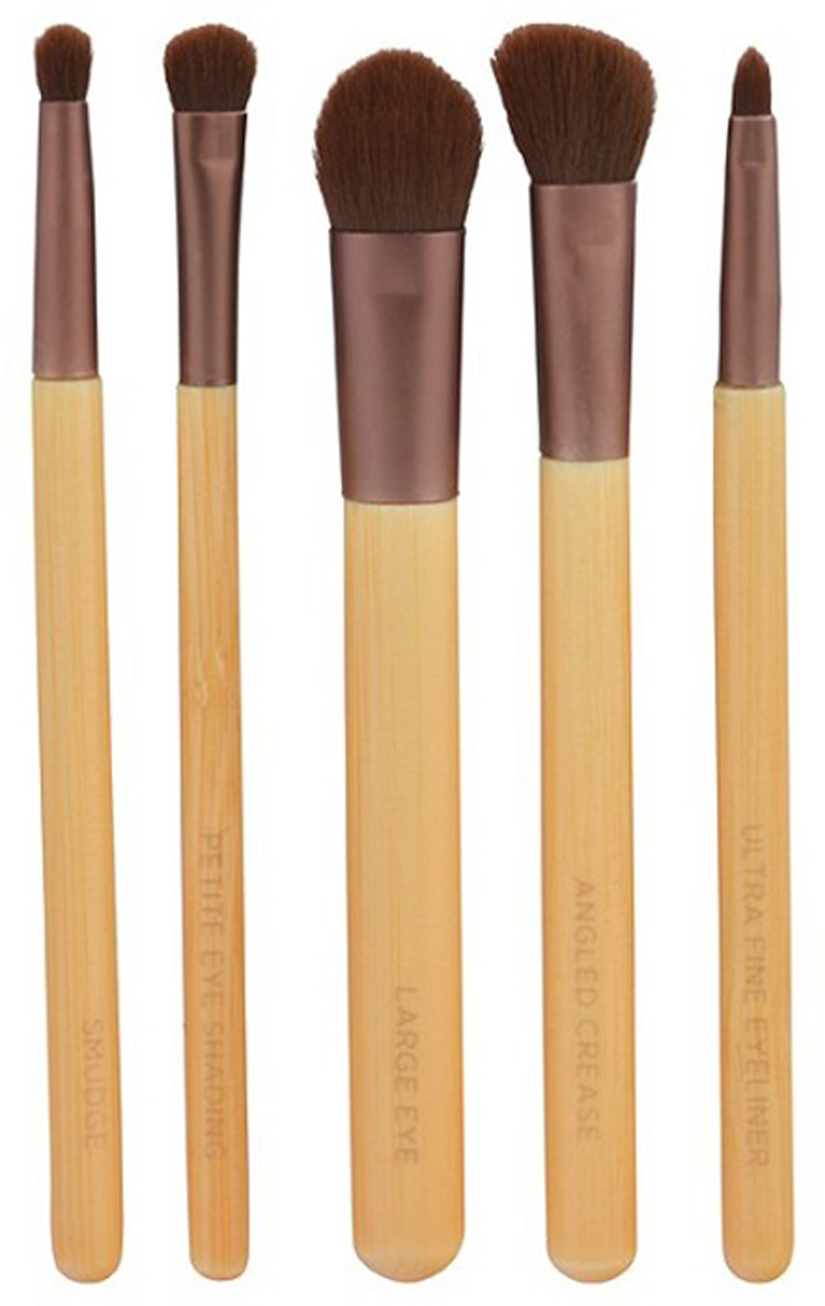 EcoTools Набор кистей для макияжа Essential Eye Set1227МСостав набора: большая кисть для век, угловая кисть, коническая кисть, маленькая затеняющая кисть, кисть для подводки, дорожную косметичку на молнииОдним из главных секретов создания профессионального мейкапа являются правильно подобранные кисти. Превосходный набор кистей для макияжа производства французской компании EcoTools поможет подчеркнуть красоту ваших глаз и создать фантастический образ. Набор включает в себя пять экологически чистых, мягких, плотно набитых, многофункциональных кисточек, изготовленных из искусственного эластичного ворса, который позволяет превосходно набирать и наносить косметику, не вызывая какой-либо дискомфорт в процессе использования. В комплект входит крупная кисть для хайлайтера и базы, скошенная кисточка для выделения складки века, кисть для нанесения и растушевки теней, кисточку для прорисовки уголков глаз, и также для нанесения и растушевки карандаша. Рукоятки кисточек выполнены из бамбука, комфортно помещаются в руке, наконечник выполнен из прочного алюминия, который гарантирует изделию прочность и долговечность. Набор кисточек порадует высоким качеством, функциональностью, и станет вашим незаменимым помощником в создании фантастического образа.