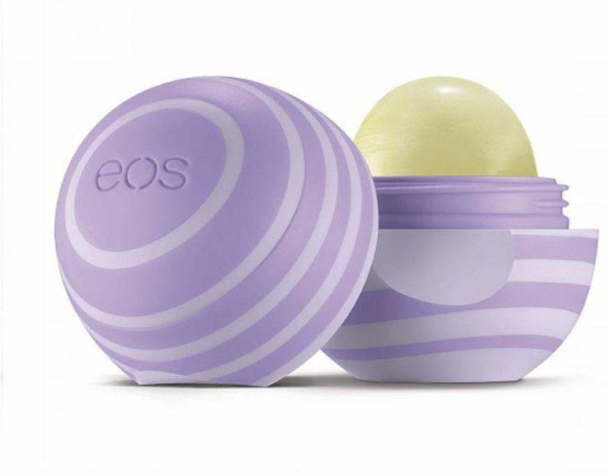 Бальзам для губ Eos Blackberry Nectar , 7 г.011050Натуральный бальзам для губ со вкусом ежевики в футляре из пластика (упакован на картонную подложку). Не содержит парабенов, глютена и продуктов нефтехимии. Применяется в косметических целях для увлажнения и питания губ.