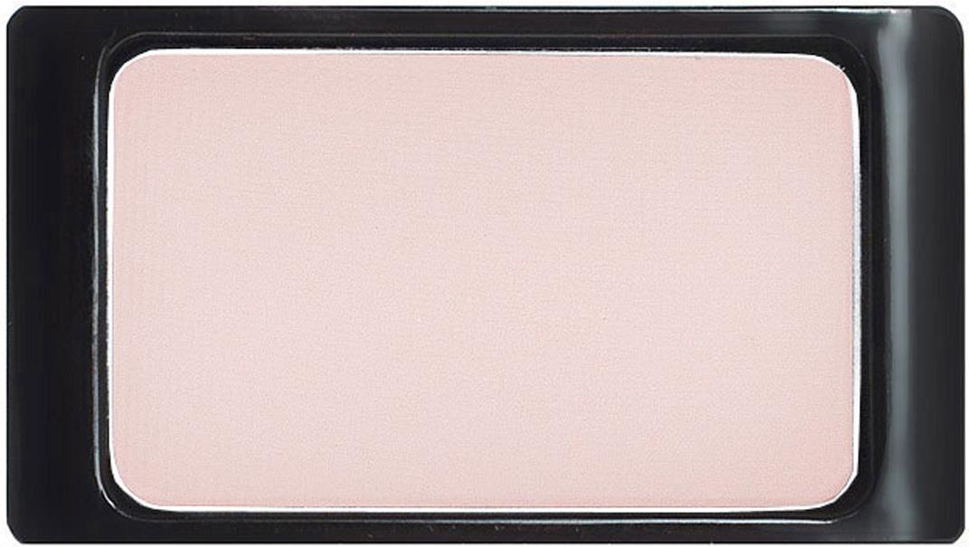 Artdeco Тени для век, матовые, 1 цвет, тон №557, 0,8 г30.557Матовые тени Artdeco - экстремально высоко пигментированные профессиональные тени, которые прекрасно подходят для макияжа Smoky Eyes, для женщин, не использующих перламутровые текстуры, ифотосъемок. Их гладкая, шелковистая текстура и формула премиального качества созданы для ценителей безукоризненного макияжа. Практичная упаковка на магнитах позволит комбинировать их по вашему вкусу. Характеристики:Вес: 0,8 г. Тон: №557. Производитель: Германия. Артикул: 30.557. Товар сертифицирован.