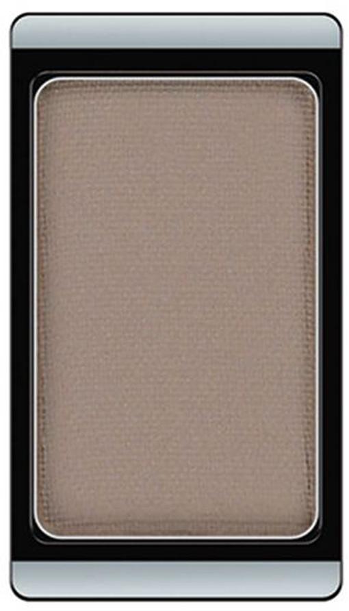 Artdeco Тени для век, матовые, 1 цвет, тон №554, 0,8 г111810Матовые тени Artdeco - экстремально высоко пигментированные профессиональные тени, которые прекрасно подходят для макияжа Smoky Eyes, для женщин, не использующих перламутровые текстуры, ифотосъемок. Их гладкая, шелковистая текстура и формула премиального качества созданы для ценителей безукоризненного макияжа. Практичная упаковка на магнитах позволит комбинировать их по вашему вкусу. Характеристики:Вес: 0,8 г. Тон: №554. Производитель: Германия. Артикул: 30.554. Товар сертифицирован.