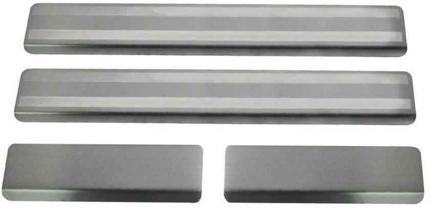Накладки порогов Rival, для Kia CEED 2012-2015 2015-, 4 штNP.2804.3Накладка на пороги Rival защищают лакокрасочное покрытие от механических повреждений и создают индивидуальный внешний вид автомобиля.- Накладки изготовлены из высококачественной итальянской нержавеющей стали AISI 304. - Надежная фиксация на автомобиле с помощью фирменного скотча 3М.- Устойчивое к истиранию изображение на накладках нанесено методом абразивной полировки. - Идеально повторяют геометрию порогов автомобиля.Уважаемые клиенты!Обращаем ваше внимание, что накладка имеет форму и комплектацию, соответствующую модели данного автомобиля. Фото служит для визуального восприятия товара.