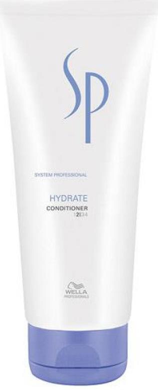 Wella SP Увлажняющий кондиционер Hydrate Conditioner, 200 мл81385714Увлажняющий кондиционер Hydrate Conditioner Wella SP создан специально для нормальных и сухих волос. Кондиционер эффективно увлажняет волосы, не перегружая их, защищает от пересыхания, улучшает эластичность волос. Активный увлажняющий комплекс содержит глицерин, который увлажняет волосы и регулирует уровень увлажнения, D-пантенол, обеспечивающий волосы дополнительной влагой и защищающий от пересыхания, глюкозу и фруктозу, которые делают волосы гладкими.
